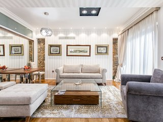 The Beverly Suite (I) in Plaka by JJ Hospitality