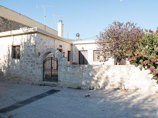 Casa Kazantzakis rural stone cottage, by JJ Hospitality