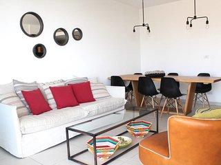 Chic & Modern 3 bdr/2bath apartment-Maon 5 -Apt245