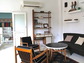 Neve Tzedek- Rishonim st-Trendy cool 2 bedroom apartment