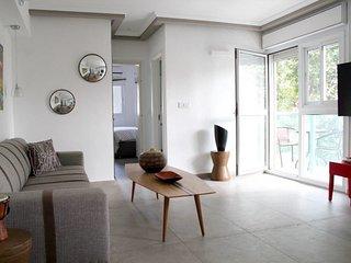 Jean-Jaures / Dizengoff 147 - 2 Bedrooms + Balcony