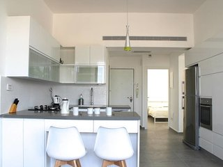 Ha-Neviim 29 - Modern 2 bedrooms/2bathrooms-YOUNG