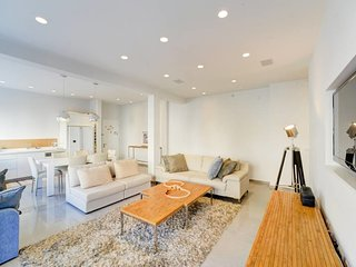 SHIR St-by Gordon beach, Gorgeous Modern style apt
