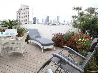Amazing Duplex with terrace & amazing VIEW-Diz 152