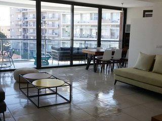 Amazing & Cool 3 bedrooms apt-Maon ,Florentin 338