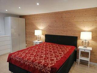 Studio42m,Doppelbett,Fernseher, vollausgestattete Küche, Badezimmer mit Dusche