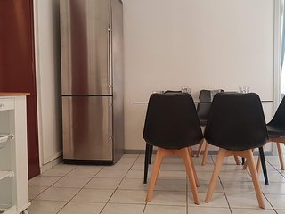 Palette Apartment (Alice Blue) - Athens Center, 3 BD, 2 BATH