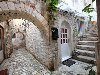Charming studio apartment in Old Town Trogir