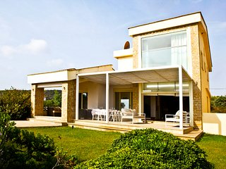 Cornetto Beachfront Villa, Salonikiou