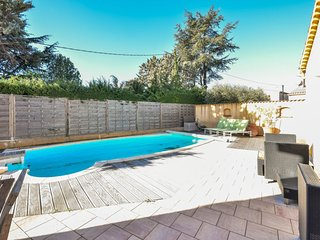 3 bedroom Villa in Saint-Cyr-sur-Mer, France - 5757982