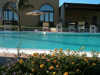 FLAT  BLU IN VILLA - PANORAMIC POOL - INTO SPECIAL CORNER OF SICILY