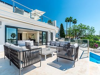 Modern Villa with Sea Views in the Golf Valley