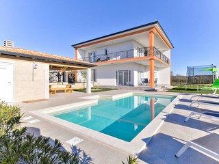 4 bedroom Villa in Montrin, Istria, Croatia - 5757011