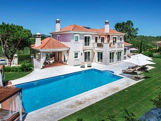 5 bedroom Villa with Pool, Air Con and WiFi - 5743929