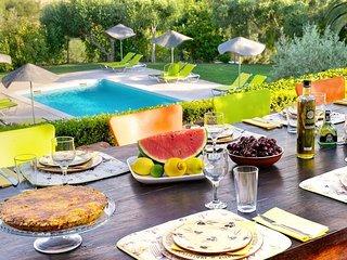 Cumeada Villa Sleeps 14 with Pool Air Con and WiFi - 5757560