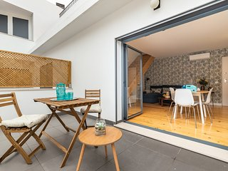 Comfy Duplex w/ Terrace