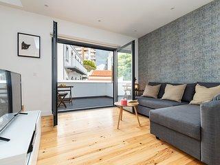 Bright Duplex w/ Terrace