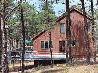 3BR Saltbox Nestled in the Woods