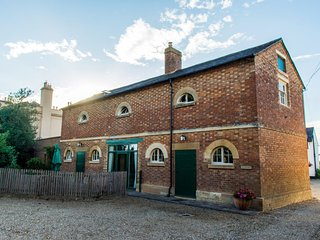 The Coach House, Bragborough Hall, Braunston, family friendly