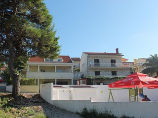 Cozy apartment in Mastrinka with Parking, Internet, Air conditioning, Balcony