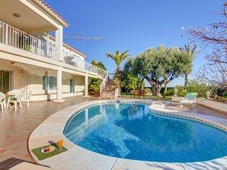 Villa Loto, magnifica villa con piscina y vistas