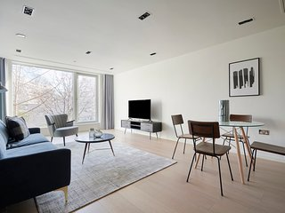 Contemporary 2BR in Bayswater by Sonder