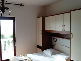 Cosy studio in the center of Nin with Parking, Internet, Balcony