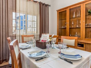 Cozy house in the center of Monte Gordo with Internet, Air conditioning, Terrace