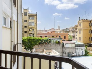 Spacious apartment in Rome with Lift, Parking, Internet, Air conditioning