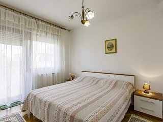 Two bedroom apartment Umag (A-16354-a)
