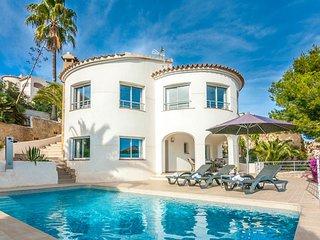GIRASOLES,villa en la cumbre del sol para 6 pax con piscina privada y wifi grati