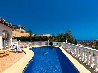 ALBA,encantadora villa con piscina privada en Calpe,wifi gratis