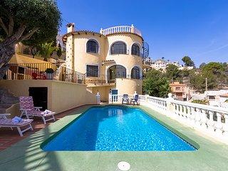 ANTONIO. villa en Calpe con piscina privada,wifi gratis