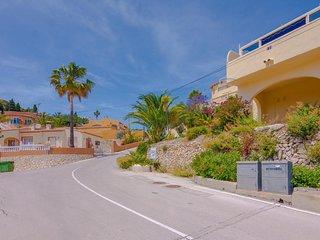 CASTELLONS,villa para 8 huespedes,con piscina comunitaria  wifi gratis