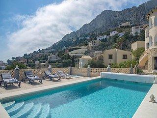 BODEGA BLUE,villa en Calpe para 9 pax con piscina privada y wifi gratis