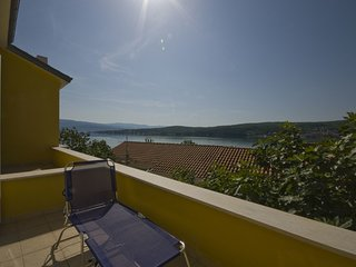 Spacious apartment in the center of Cizici with Parking, Air conditioning, Balco