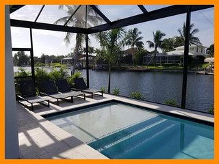 Cape Coral 305 - Waterfront luxury villa with private pool and outdoor kitchen