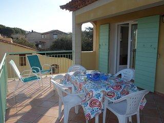2 bedroom Apartment in Le Brusc, Provence-Alpes-Côte d'Azur, France - 5699986