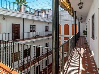 Gavidia apartment in Macarena with WiFi, air conditioning, balcony & lift.