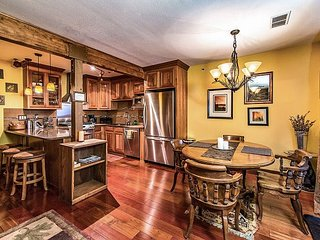 Remodeled 1BR Condo w/Shared Pool, Minutes to Heavenly Ski Resort and Lake