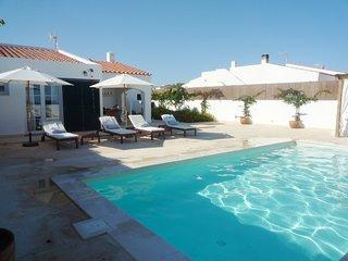 Villa con 3 habitaciones, piscina privada y aire acondicionado, WIFI gratis