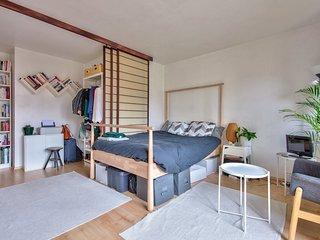 New! Nice Studio with balcony in Paris 20