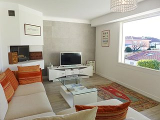 3 bedroom Apartment in Chambre-d'Amour, Nouvelle-Aquitaine, France - 5699888
