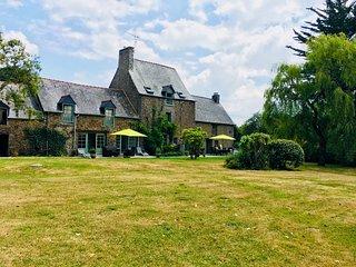 Dinan, Large Detached 17th Century Breton Farmhouse, 2 acres of private gardens