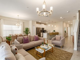 Budget Getaway - Champions Gate Resort - Welcome To Spacious 5 Beds 4 Baths