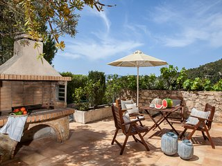 Asos Villa Sleeps 4 with Pool and Air Con - 5753814