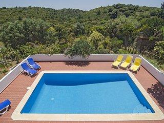 VBP16V3 Moradia e piscina em zona rural boni