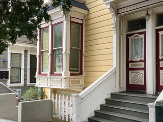 Beautiful Victorian in Sunny Noe Valley ⭐️ Parking ⭐️