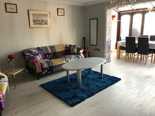 Lovely independent 3 bedroom house fully/nicely furnished
