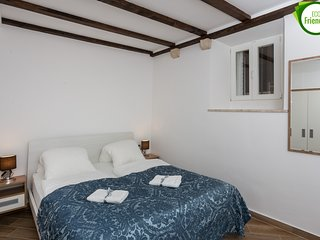 Apartments & Rooms Verdi -Double Room (Ground Floor) BR1 - TULIN
